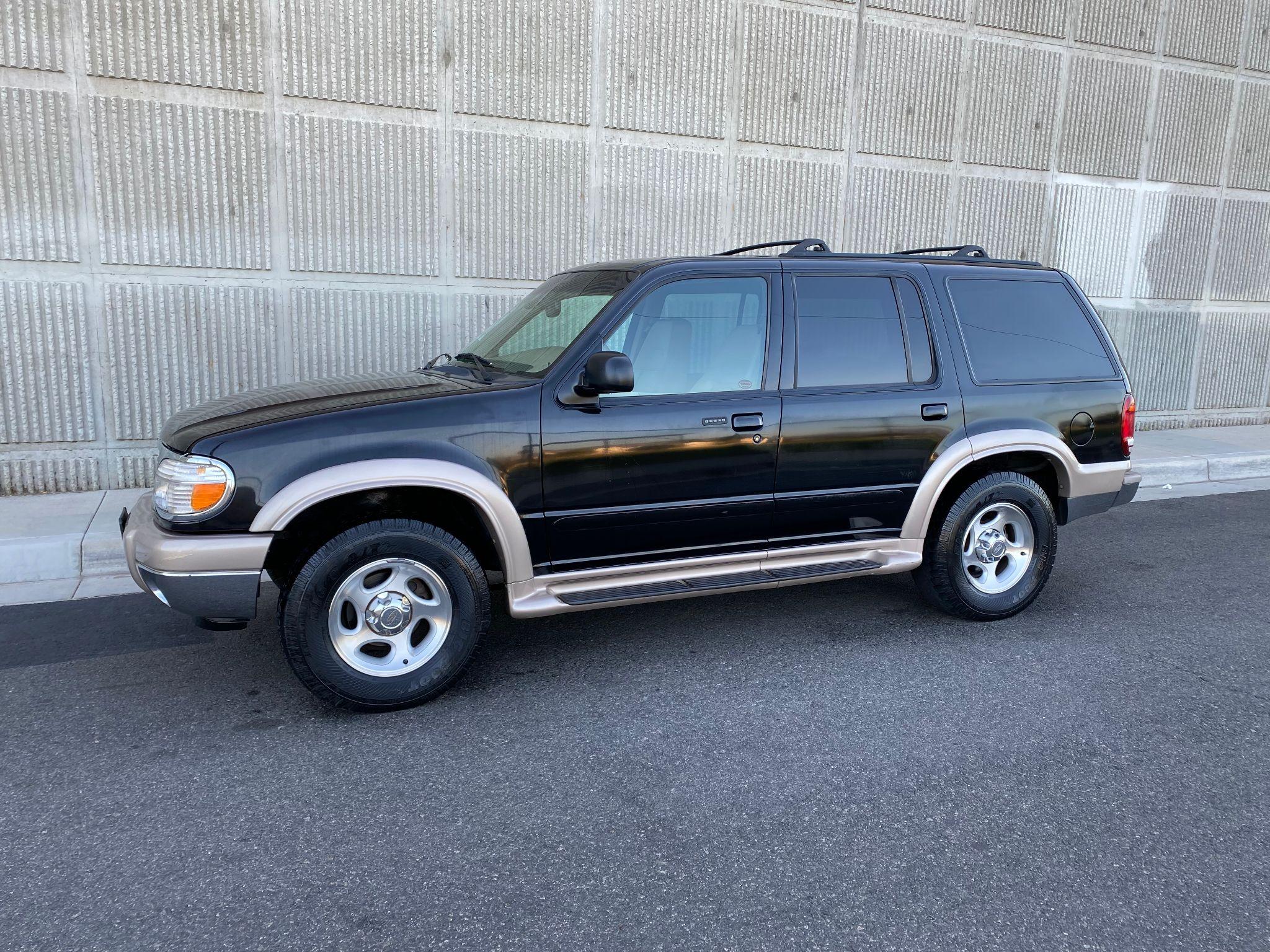 2000 Ford Explorer Eddie Bauer