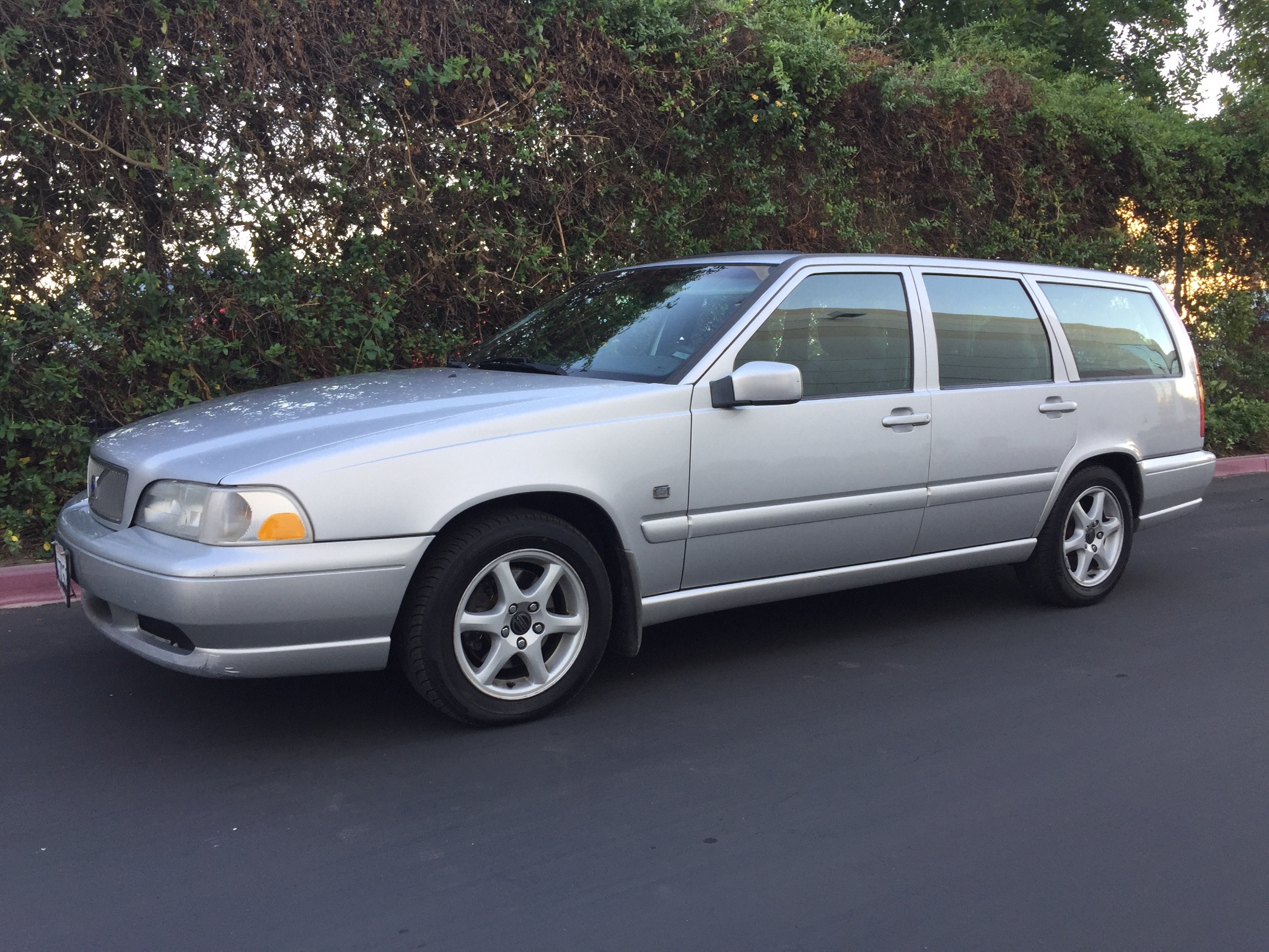Used 1999 Volvo V70 Wagon At City Cars Warehouse Inc