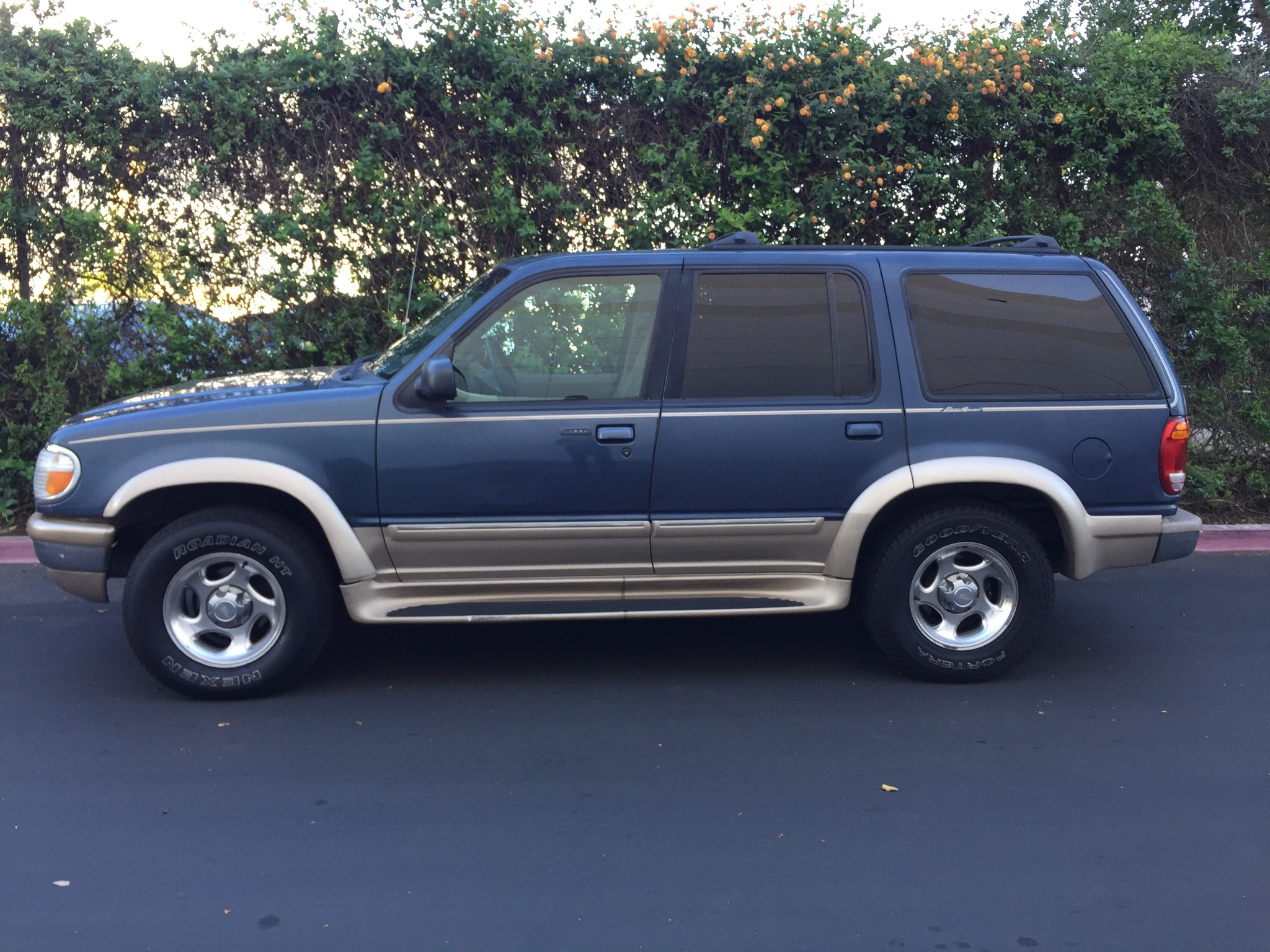 1998 ford explorer xlt w leather