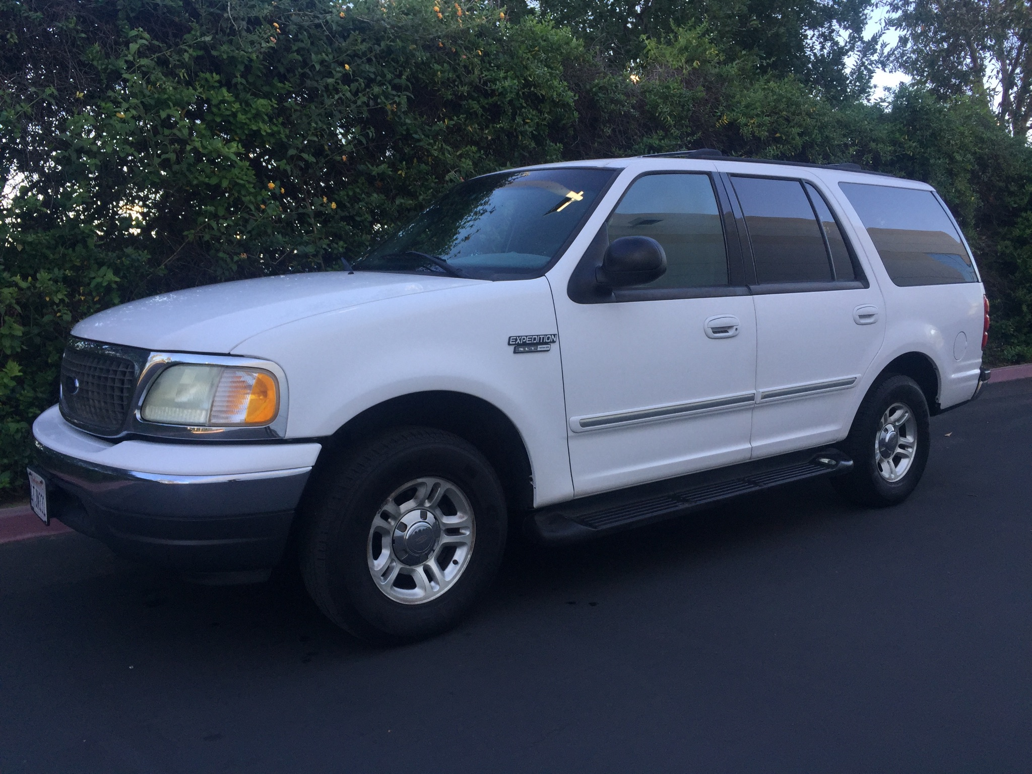 used 2001 ford expedition xlt at city cars warehouse inc. Black Bedroom Furniture Sets. Home Design Ideas