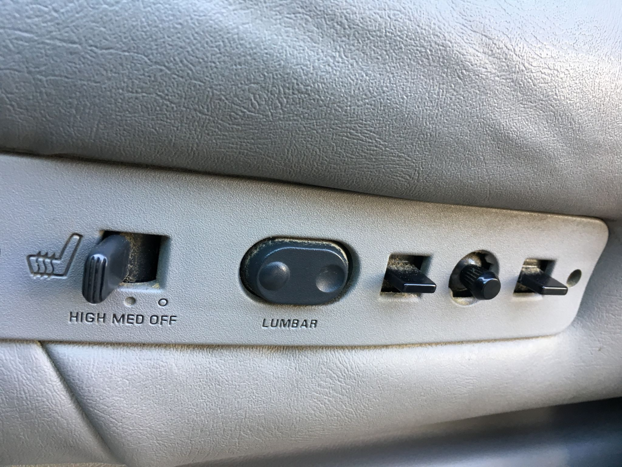 1999 Chevrolet Suburban 5.7L LS