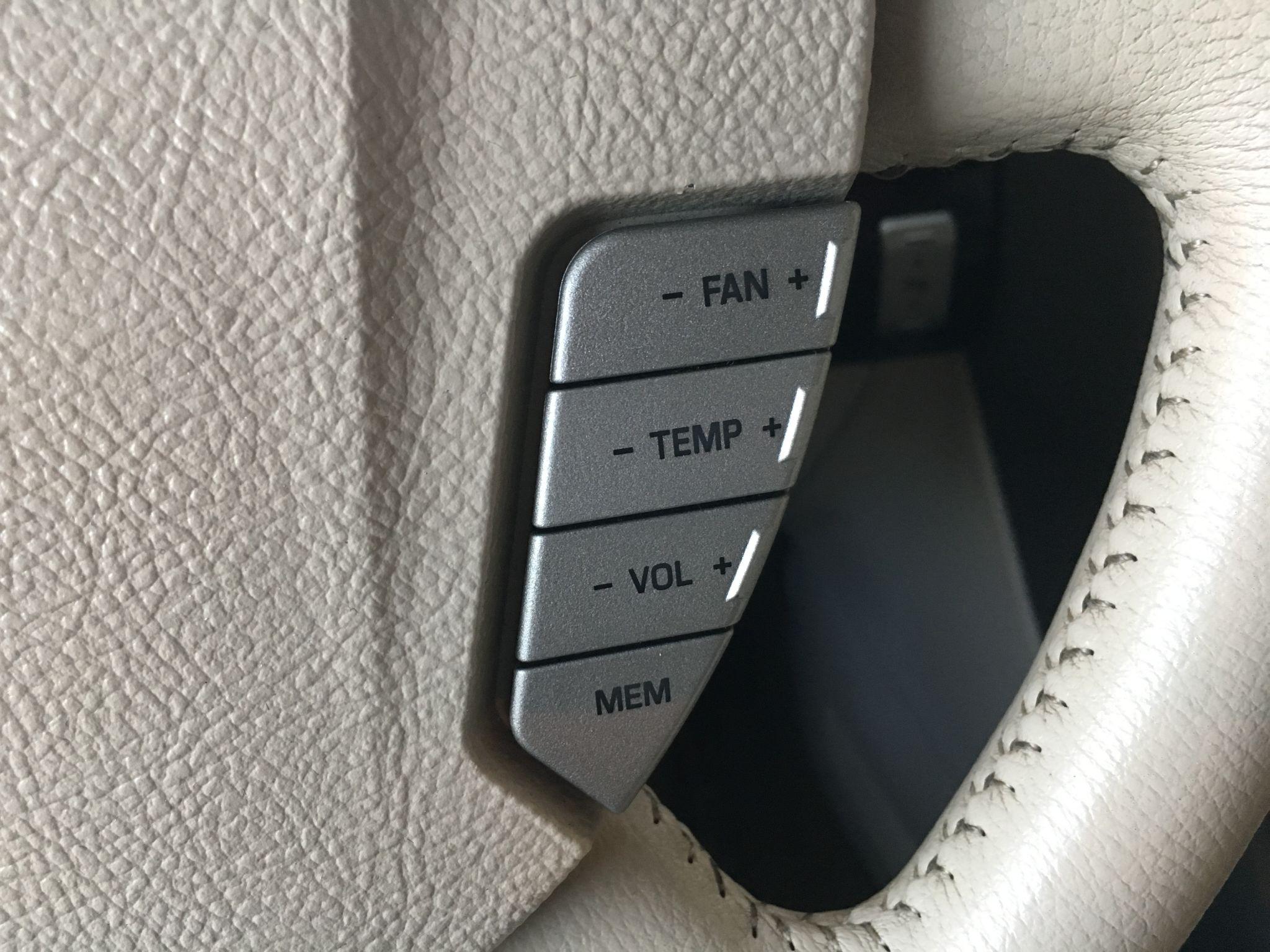 2004 Lincoln Aviator Luxury