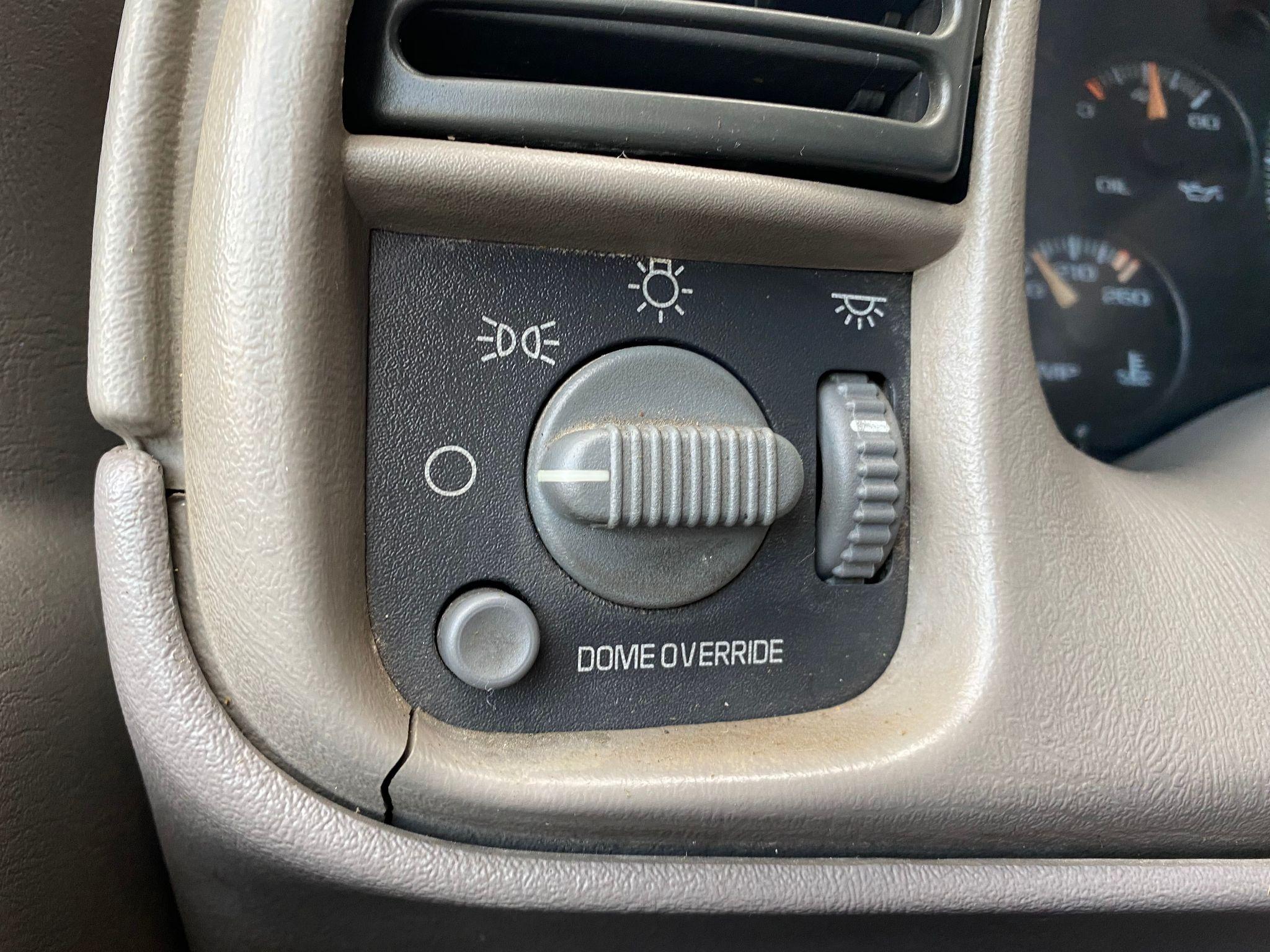 2000 Chevrolet Astro Cargo Van