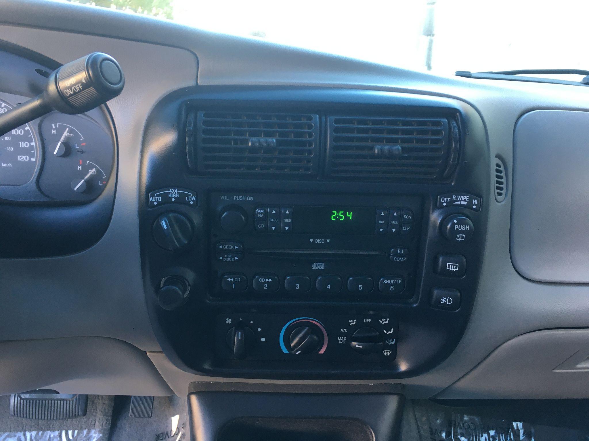 2001 Ford Explorer XLT