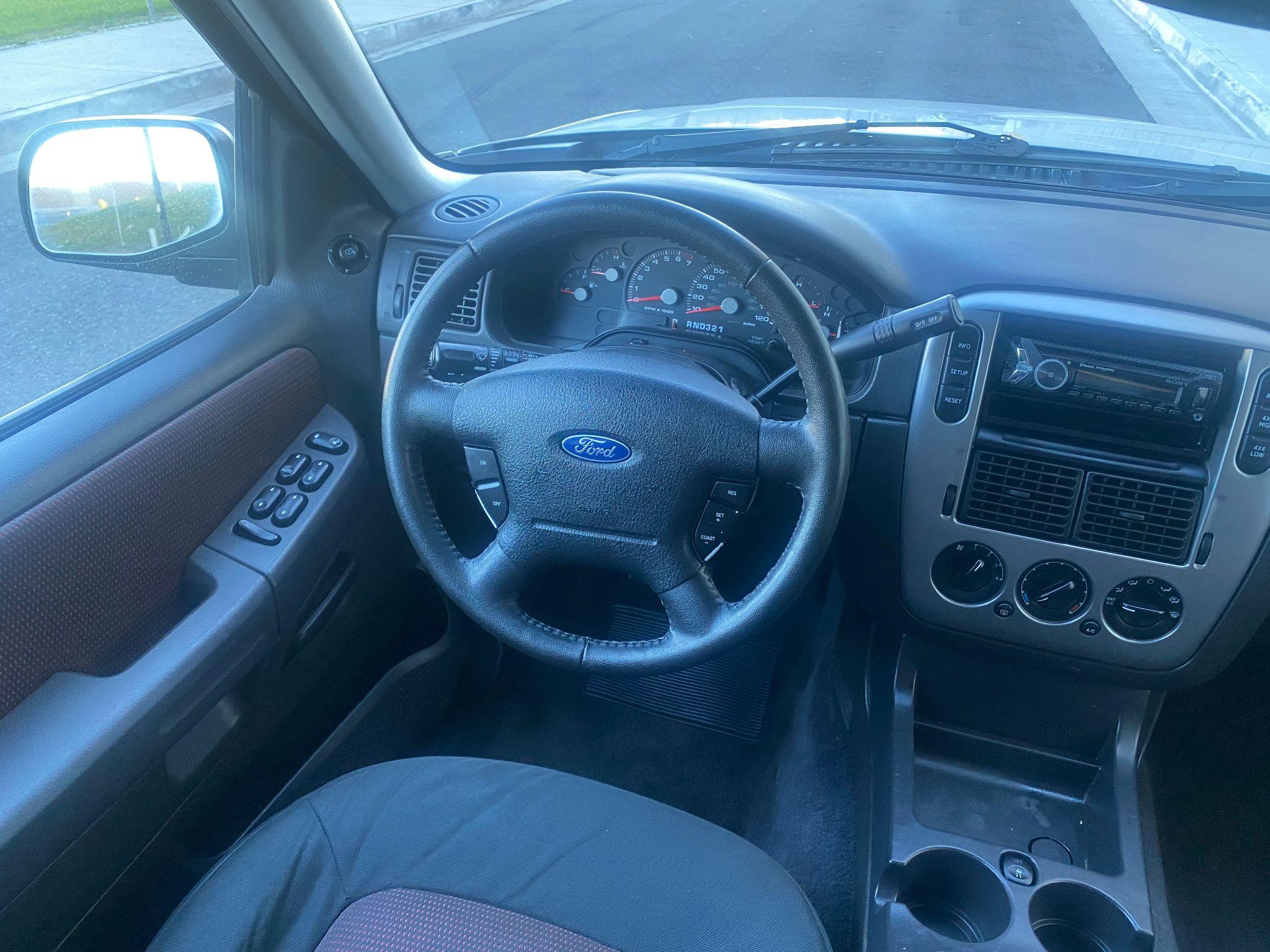 2005 Ford Explorer XLT Sport