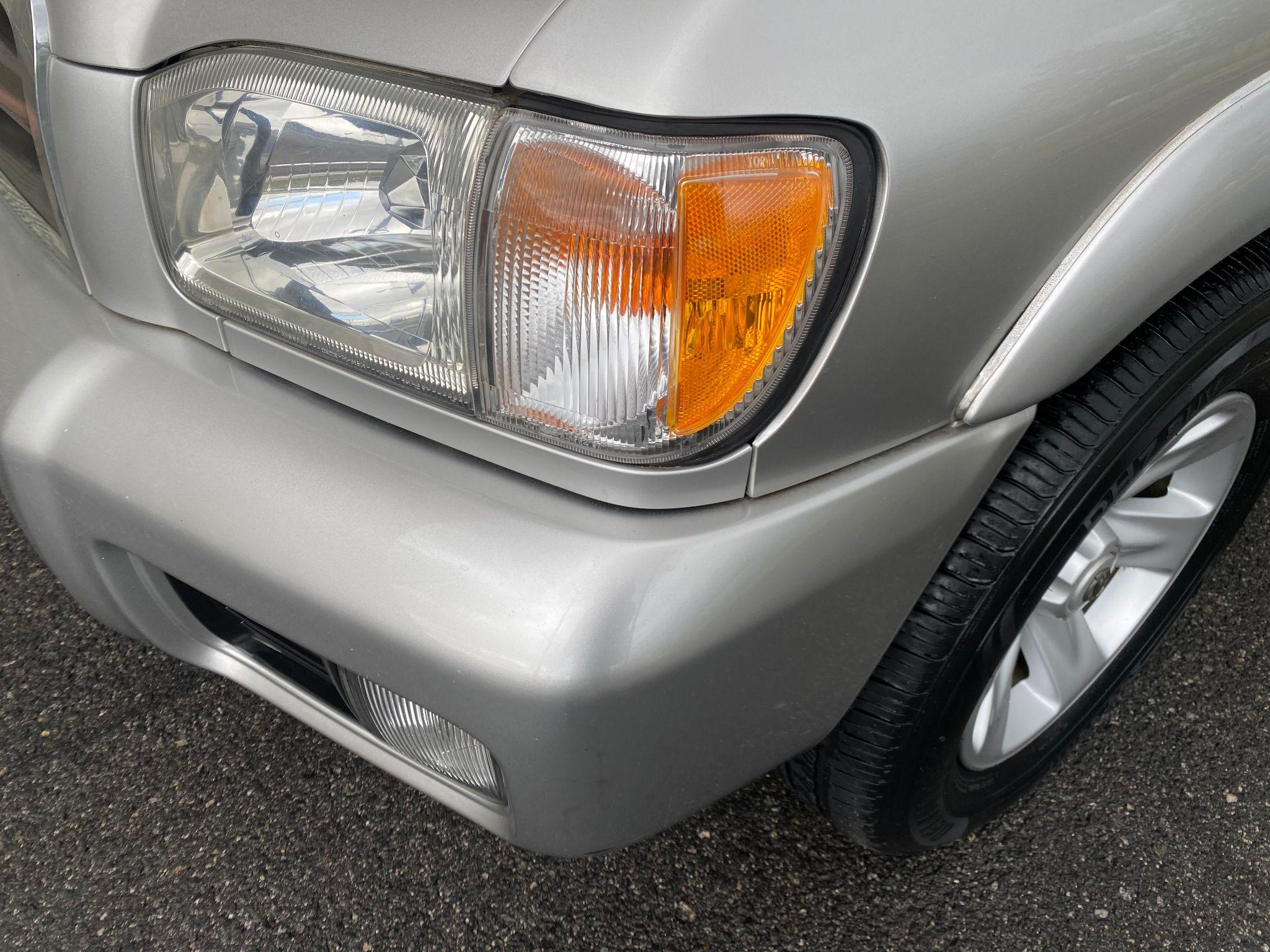 2002 Nissan Pathfinder LE